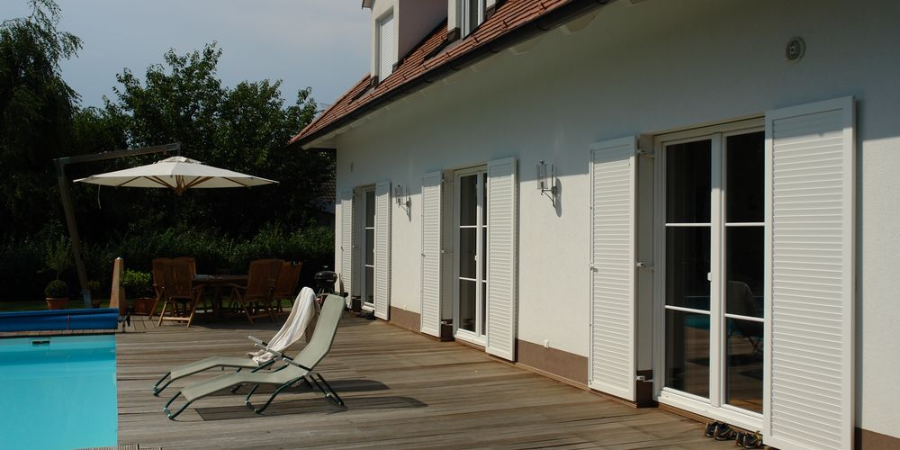 WingShutters-with-installation-frame-1683-1000x500